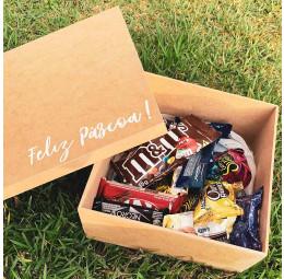Kit Páscoa com caixa personalizada e chocolates e bombons diversos