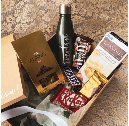 Kit Páscoa com Garrafa de alumínio e chocolates
