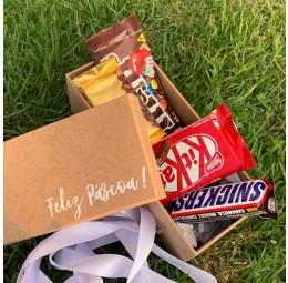 Kit Páscoa com caixa personalizada e chocolates diversos